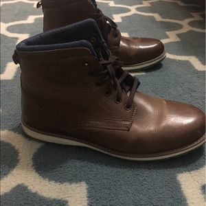 Size 10 winter boots used okay condition